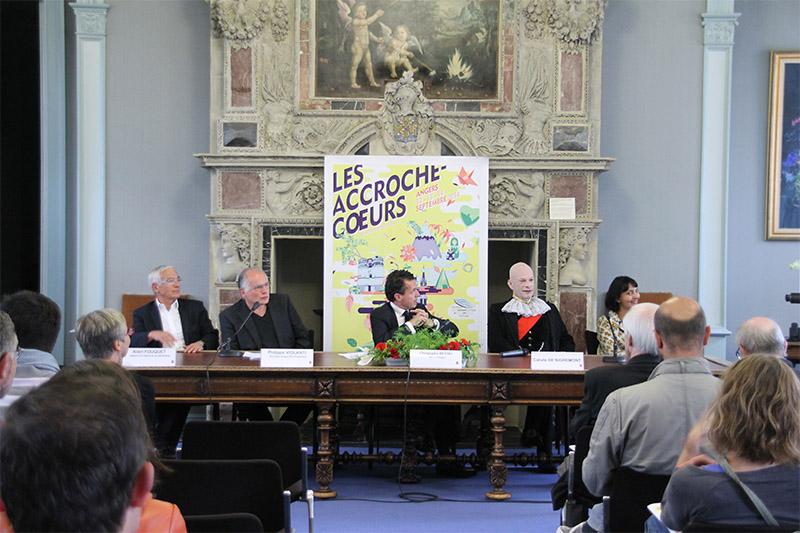 accroche-coeur-conf-presse (3)