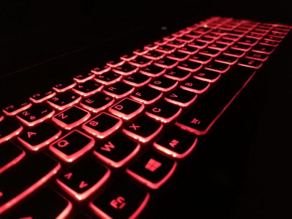 Clavier-hacker-suny-o-mano